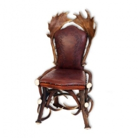 Chair with real deer and fallow deer antlers. M: 60x55cm x H 110cm 114402